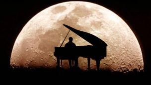 piano and moon